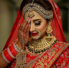 bridal jewelry for the radiant bride Pakistani Bridal Makeup, Indian Wedding Makeup, Indian Wedding Bride, Indian Bridal Outfits, Indian Bridal Fashion, Indian Bridal Wear, Bridal Lehenga, Wedding Couples, Bridal Makup