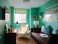 Few colors have the ability to refresh and energize a room the way that green can. The color is also versatile and be used to create a soothing, tranquil a