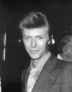 David Bowie at the premiere of Close Encounters of the Third Kind at the Ziegfeld Theater, New York, Nov 15, 1977 © Fred W. McDarrah