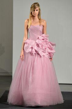 Порно онлайн в розовом свадебном платье #11