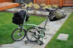http://pathlesspedaled.com/2011/03/touring-bromptons/