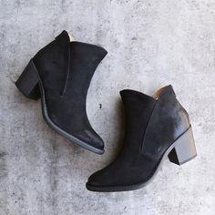 almond toe chunky wood heel western bootie - shophearts - 1