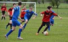 County football heads toward a thrilling finale http://www.cumbriacrack.com/wp-content/uploads/2017/05/Niall-Clifford-speartheads-a-Penrith-Academy-attack-against-Lunesdale-Catherine-Allen.jpg Take a deep breath. What a wild week in Westmorland football that was, with the leaders of all three divisions coming unstuck!    http://www.cumbriacrack.com/2017/05/01/county-football-heads-toward-thrilling-finale/