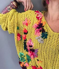 Charity Sewing Idea – How To Generate A Garment Address – By Zazok Wool Embroidery, Hand Embroidery Stitches, Embroidery Fashion, Creative Knitting, Embroidery For Beginners, Hippie Outfits, Knit Fashion, Diy Clothing, Mode Outfits
