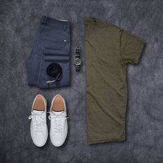 45 How To Wear Khaki Chinos For Men 8 Outfit Ideas 23 - homeexalt Casual Wear, Casual Outfits, Men Casual, Fashion Outfits, Outfit Grid, Mode Style, Mens Clothing Styles, Stylish Men, Men Dress