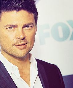 Karl Urban, looking like his usual gorgeous self. Meanwhile, it's two weeks till AHN (Almost Human Night). Squeeeeee! // - Belay that. It's been moved to Nov. 17, second episode Nov. 18.