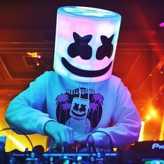 Marshmello Wallpaper iPhone HD >> Free By WallpaperDunia Joker Iphone Wallpaper, Joker Wallpapers, Gaming Wallpapers, Music Wallpaper, Cellphone Wallpaper, Cute Wallpapers, Wallpaper Wallpapers, Marshmello Wallpapers, Edm Music