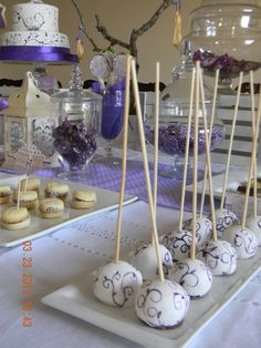 Lilac cake pops party