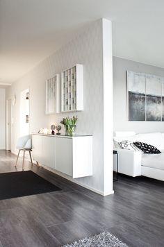 Valmista on 4h+K+S! @asuntomessublogit Divider, House Design, Hallway Ideas, Room, Furniture, Home Decor, Bedroom, Decoration Home, Room Decor