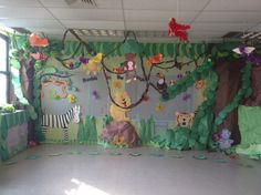 Rumble in he jungle Jungle Theme Classroom, Jungle Theme Parties, Jungle Party, Safari Party, Safari Theme, Classroom Themes, Class Decoration, School Decorations, Jungle Decorations