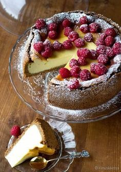 New York cheesecake No Bake Desserts, Delicious Desserts, Dessert Recipes, Yummy Food, Sweet Bakery, Sweet Pastries, Pastry Cake, Cake Ingredients, Sweet Bread