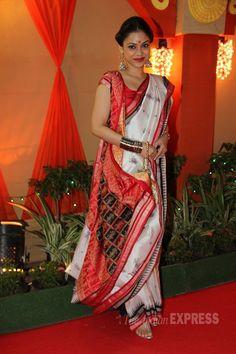 Actress Sumona Chakravarti wearing a Bengali Style Saree