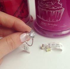 Lasst Euch überraschen von so einem wunderschönen Ring;)  #juwelkerze #jewelcandle #schmuck #kerze #candle #ring #ohrringe #anhaenger #ueberraschung #surprise #gift #present #geschenk #maedel #maedchen #herz #heart #liebe #love #her #interest #duft #scent