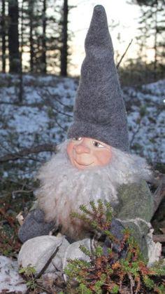 Christmas Time, Christmas Ornaments, Troll, Garden Sculpture, Holiday Decor, Outdoor Decor, Design, Christmas Jewelry
