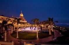 HOTEL DEL CORONADO- Situado do outro lado da Baía de San Diego, o icônico Hotel del Coronado é o símbolo da cidade de Coronado é visita obrigatória para quem estiver por San Diego.