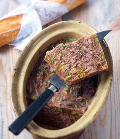 Terrine of stew with tarragon-Terrine de pot-au-feu à l'estragon Terrine stew with tarragon – Marie Claire - Foie Gras, Potted Meat Recipe, Meat Recipes, Cooking Recipes, Cold Appetizers, Fish And Meat, Charcuterie, Mousse, Quiche