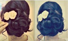 Romantische Curly-Stil mit Blumen