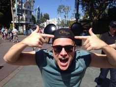 Olly Murs swaps the porkpie hat for Mickey Mouse ears Olly Murs, British People, Man Crush Monday, I Want Him, 29 Years Old, Mickey Mouse Ears, Old Singers, Most Beautiful Man, Celebs