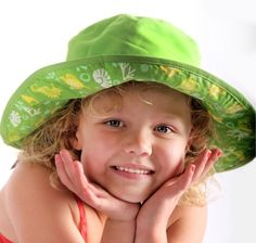 How gorgeous is the new hat model for baby banz