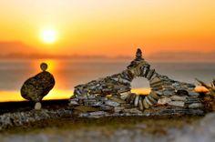 Stone Art Blog: Miniature stoneworks. Giants amongst pebbles. Beautifully delicate land art by Volker Paul