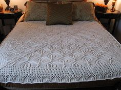 Serenity knit blanket by Laura Wilson-Martos. Free pattern on ravelry.