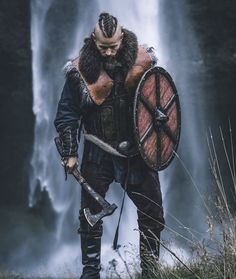 Viking Men, Viking Beard, Viking Life, Viking Warrior Men, Viking Halloween Costume, Mens Viking Costume, Viking Aesthetic, Character Art, Character Design