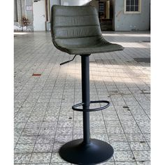 The Boston industrial bar stool is the perfect addition to a rugged interior! This trendy bar stool combines an industrial seat with a black metal frame. Bar Stool Seats, Bar Chairs, Boston, Kitchen Island Bar, Breakfast Bar Stools, Industrial Bar Stools, Trendy Bar, Recycled Leather, Black Metal