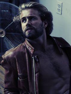 Tom Bull   IMG Models
