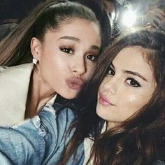 Ariana Grande Selena Gomez, Selena Gomez Cute, Selena Gomez Pictures, Cat Valentine, Icon Girl, Ft Tumblr, Tv Show Couples, Crush Stories, Nickelodeon