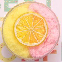 diy slime Image of Lemonade Slushee (Scented) Fruit Slime, Slimy Slime, Edible Slime, Diy Crafts Slime, Slime Craft, Pink Lemonade, Instagram Slime, Glossy Slime, Cool Stuff