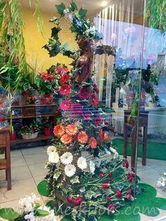 escaparate floristería decoration showcase shop florist flowers www.meskflors.com