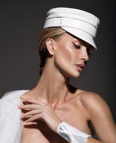 Bride Makeup, Shawl, Beanie, Photography, Instagram, Gloves, Fashion, Elegant, Moda
