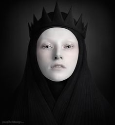 Costume inspiration for Queen Ravenna - Snow White and the Huntsman