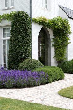 Outside Living, Outdoor Living, Outdoor Landscaping, Outdoor Gardens, Front Garden Entrance, Tuscan Style Homes, Little Gardens, Classic Garden, Dream Garden