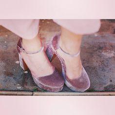 Step on Wednesday   #Wednesday #May  #Stradivarius #pink #heels #shoes #velvet #sandals #chunky #fashiondaily #fashiondiaries #tb #stylegram #styleblog #bloggerstyle #instamood #pic #potd #instadaily #instalike #nofilter #fashionstyle #stylish #trend #myoutfit #moodoftheday #fashionista #bloggerlife #fashionblogger #zkstyle