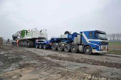 Volvo FH TriDrive tractor, speciaal transport zwaar transport . LIEBHERR 974.