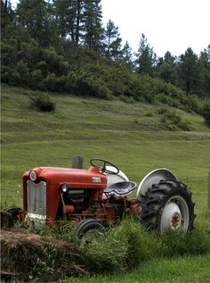 Ford tractor. I drove stick for the first time on one just like this.
