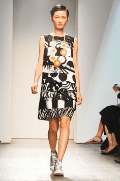 Nice dress with collection of different Marimekko fabrics. Could take this fabric combination for home decoration. Marimekko S/S 2013 in New York Fashion Week Photo: Billy Farrell Agency New York Fashion, Runway Fashion, Womens Fashion, Marimekko Dress, Marimekko Fabric, Fashion Fabric, Fashion Prints, Fashion Design, Fabric Combinations