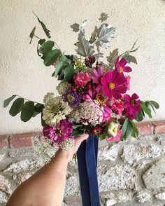 Barbara's bouquet #flowersofilrigo #slowflowers #valdorcia #naturalwedding #weddingintuscany #slowwedding
