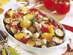 Ein aromatischer Auflauf mit Tomaten, Zucchini und Kartoffel, würzig abgerundet mit griechischem Schafskäse.