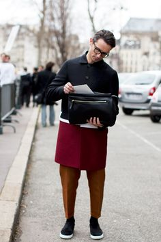 The Sartorialist, On The Street… Men's Fashion During Women's Fashion Week, Paris, February Simone Marchetti The Sartorialist, Urban Street Fashion, Mode Shoes, Cooler Look, Outfit Trends, Inspiration Mode, Street Style Looks, Stylish Men, Dapper