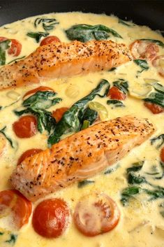 Laks i cremet sauce med tomater og spinat - Shellfish Recipes Great Recipes, Favorite Recipes, Healthy Chicken Dinner, Shellfish Recipes, Cooking Recipes, Healthy Recipes, Best Appetizers, Fish And Seafood, Salmon Recipes
