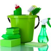 Discover 16 green spring cleaning tips that are natural, chemical-free ways to clean your home. Green Cleaning Recipes, Natural Cleaning Recipes, Natural Cleaning Products, Cleaning Hacks, Steam Cleaning, Janitorial Services, Amazing Greens, Green Tips, Natural Cleaners