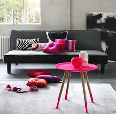 Black and pink living room! / Sala negro y rosa intenso