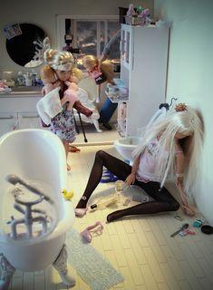 Dark side of Barbie by Mariel Clayton Humor Barbie, Barbie Funny, Barbie Go, Barbie Party, Barbie World, Barbie And Ken, Baby Barbie, Monster High Haus, Barbie Mala