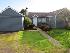 Charming Cottage W/Sun Room, Extra Parking,... - HomeAway Coastal Oregon