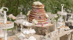 Onze Mr & Mrs letters (whitewash) voor de prachtige naked cake! Foto: BruidBeeld