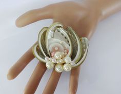 Vintage SEA SHELL & Faux Pearls BROOCH PIN~ #Unbranded Seashell Jewelry, Seashell Crafts, Pearl Brooch, Brooch Pin, Coastal Living, Seashells, Antique Jewelry, Vintage Antiques, Bliss