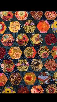 LOVE this Hexi Quilt Very Pretty with dark background stars Japanese Quilt Patterns, Japanese Quilts, Snowball Quilts, Asian Quilts, Asian Fabric, Quilt Modernen, Scrappy Quilts, Quilting Fabric, Free Spirit Fabrics