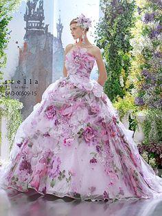 Stella de libero(ステラ・デ・リベロ) | ブライダルコスチュームみつもと(三重県四日市)|Stella de libero(ステラ・デ・リベロ)など豊富なラインナップのカクテルドレスをご紹介します。
